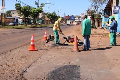 """Intendente de Pdte. Franco dispone bacheo de avenida solo """"para la foto"""""""