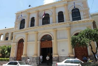 Subsecretaría de Tributación detectó irregularidades en informes de auditoría de Iracis e Iragro