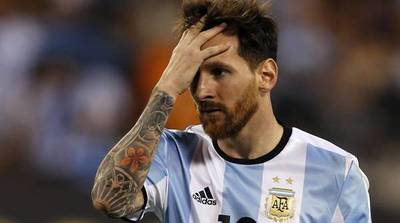 """Messi suspendido 3 meses en la Selección por tratar de """"corrupta"""" a la Conmebol"""