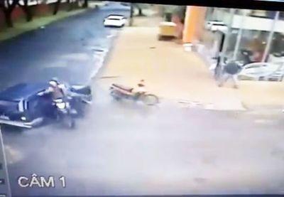 Conductor vio asalto y evitó huida de motochorros
