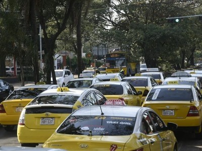Fiscalía imputó a taxista que habría manoseado a una periodista
