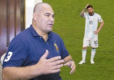 Chilavert respaldó una vez más a Messi y nuevamente disparó contra la Conmebol
