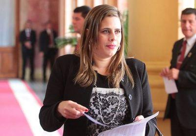 Existe justificación absoluta para el juicio político, según Kattya González