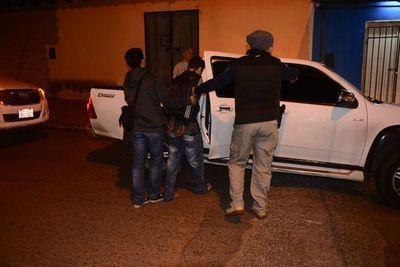 Realizan allanamientos simultáneos para detener a presunto homicida