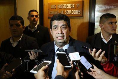 Velázquez se desentiende de acta bilateral y afirma que sabía menos que Ferreira