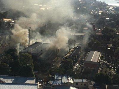 Explosión e incendio en subestación de la ANDE