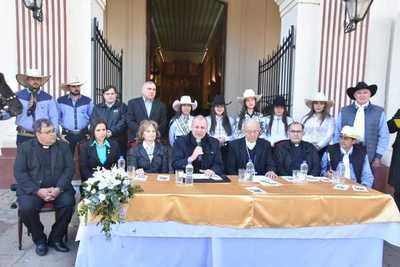 Presentan agenda de actividades conmemorativas al 482 aniversario de Asunción