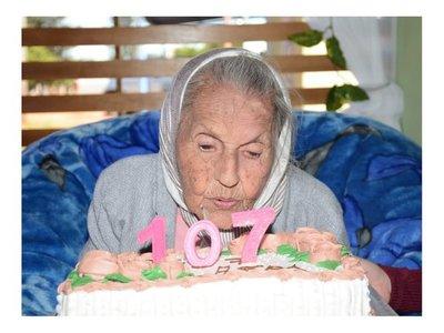 Abuelita festejó sus 107 años