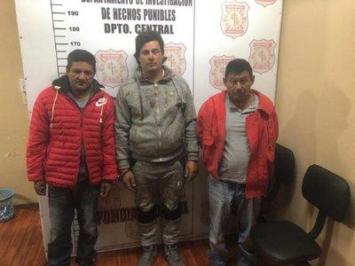 Detienen a 3 supuestos asaltantes de supermercado en Asunción