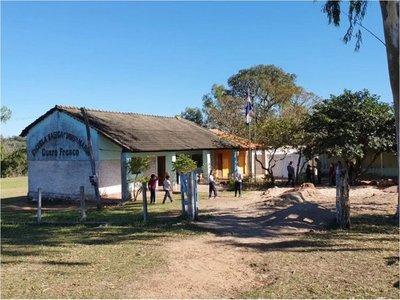 Escuela de Arroyito no tiene aulas, agua potable ni almuerzo escolar