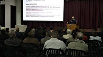 Realizan charla informativa con miras a elecciones municipales en Filadelfia