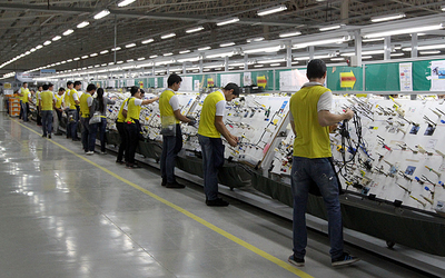 Crecieron 8 % las exportaciones por maquila, según Industria y Comercio