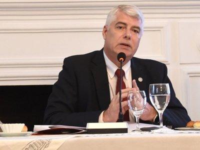 Solo 4 funcionarios fiscalizan obra de USD 450 millones