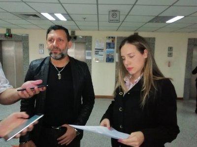 Víctor Bogado pide desafuero de Celeste Amarilla