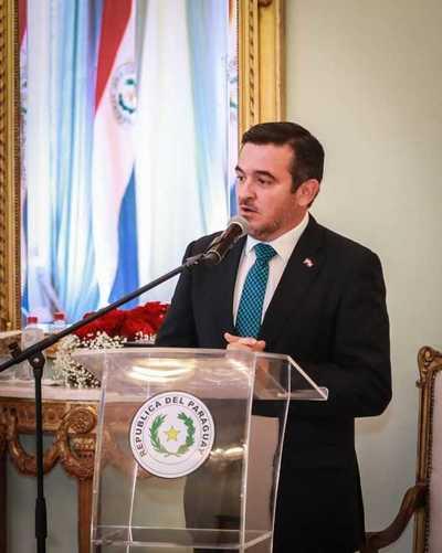 Ministro Petta resalta proyecto de desarrollar un canal educativo a través de plataformas de comunicación