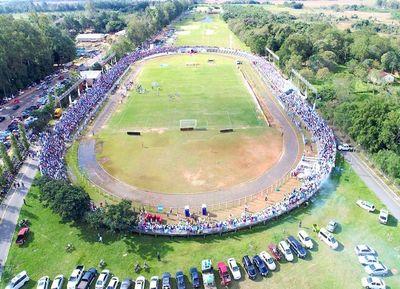 Estadio lleno y fiesta en Guairá