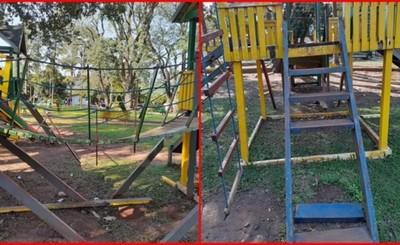 Parque en pésimo estado apeligra a niños en Plaza Libertad