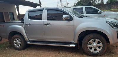Atacan a tiros Junta de Caazapá y toman de rehenes a concejales