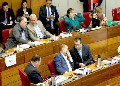 Polémica acta sobre Itaipú generó un largo debate en torno al juicio político