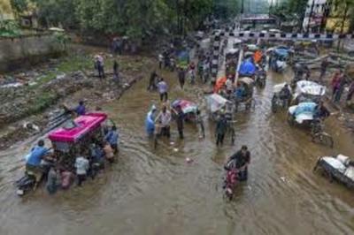65 muertos y cientos de miles afectados por lluvias en India
