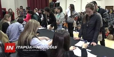 BECADOS DE ITAPÚA RECIBIERON PRIMER DESEMBOLSO DE SUS APORTES