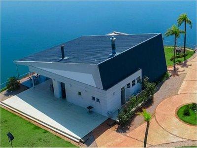 Ministerio del Ambiente interviene un condominio en zona de Itaipú