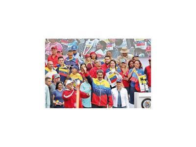 """Maduro llama """"gusano"""" a Guaidó y lanza advertencia"""