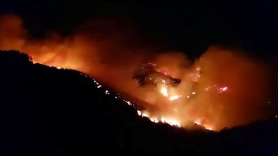 Al menos 1.000 personas evacuadas tras incendio forestal en Gran Canaria