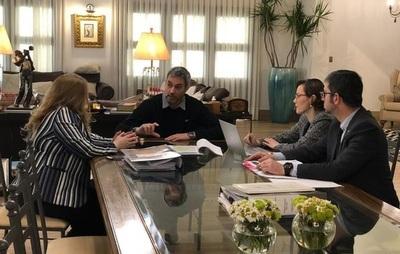 Abdo Benítez declara ante Fiscalía y entrega chats
