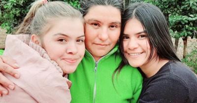 Madre e hijas se reencontraron