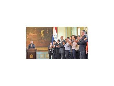 Analistas vaticinan un  escenario poco alentador para Abdo Benítez