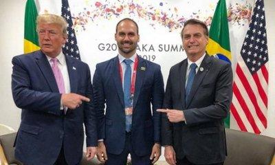 Fiscales de Brasil buscan prohibir designación de hijo de Bolsonaro como embajador en EE.UU.