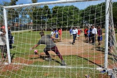 Implementarán escuelas de fútbol en centros educativos como reinserción de jóvenes