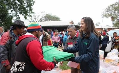 HOY / Cadena Farmacenter ayuda a afectados por las inundaciones