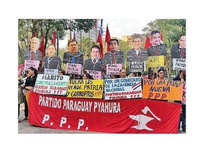Campesinos llegan a Asunción para marchar mañana a favor del juicio político