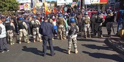 Represión en CDE: Ministro dice que tenían que pasar camiones con explosivos de Dimabel