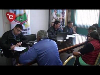 RECEPCIONAN DOCUMENTOS DE INTERESADOS EN PRODUCCIÓN LECHERA EN CAMBYRETA
