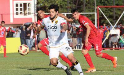 HOY / A duras penas, el campeón avanza en Copa Paraguay