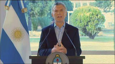 Macri y Fernández tratan de calmar a los mercados tras desplome en Argentina