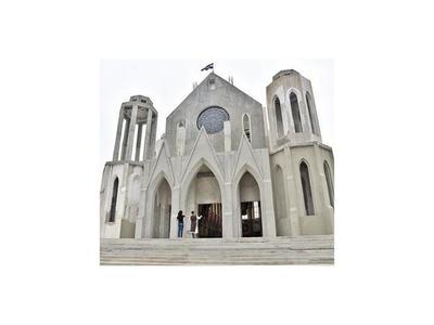 Heraldos   celebran hoy   80 años de  su fundador y reabren el templo