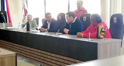 Critican que en Junta de Minga Guazú no existe verdadera oposición a intendente