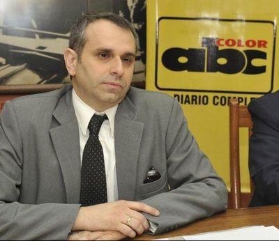 """""""Fiscala Teresa Sosa tiene vínculos delincuentes"""", según abogado de mujer que denunció a Kriskovich por acoso"""