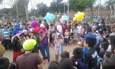 Esperan a niños para celebrar su día en Franco