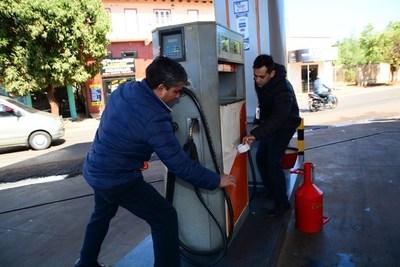 Comuna esteña clausura islas de gasolinera por estafa a consumidores; cargaba menos de lo que cobraba