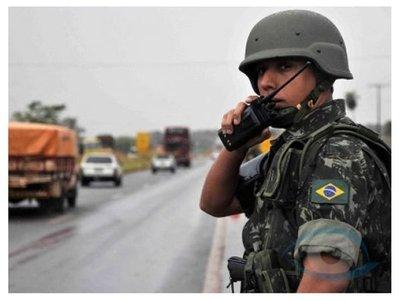 Brasil empieza estricto control fronterizo con militares
