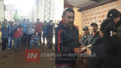 M. OTAÑO: VECINOS SE UNIERON PARA AYUDAR A FAMILIA QUE LO PERDIERON TODO EN UN INCENDIO
