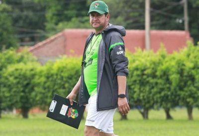 Cesan a seleccionador de fútbol de Bolivia