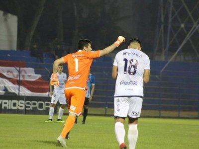 Víctor Centurión regala un golazo en plácida victoria de Sol