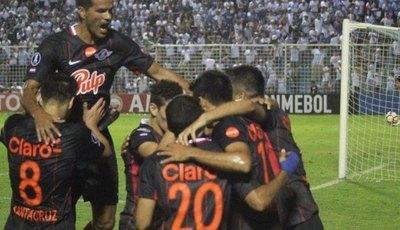 Un paraguayo, entre los máximos goleadores activos de Copa
