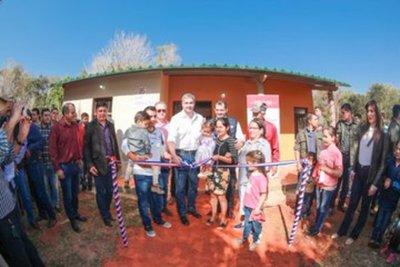 Gobierno entrega viviendas para unas 26 familias en Guayaibi